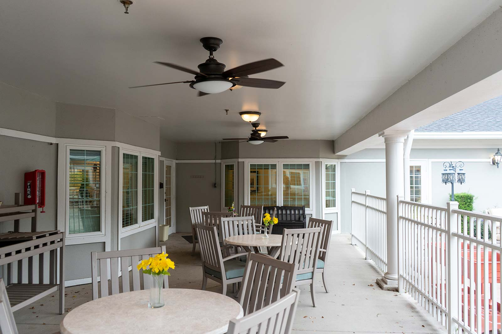 Outdoor patio at The Colonnade at Northdale assisted living and memory care community in Tampa, FL