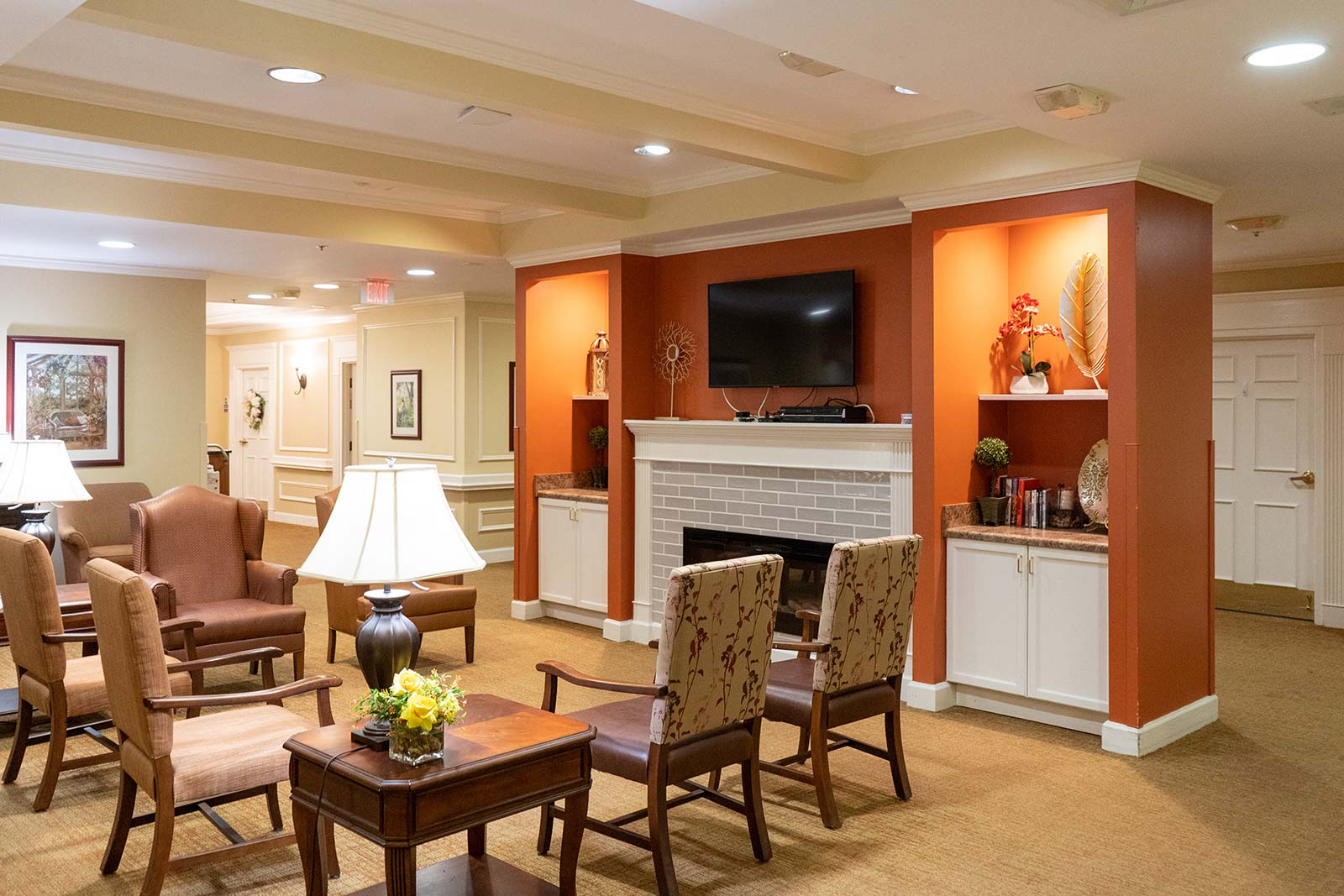Social gathering area at The Colonnade at Northdale assisted living and memory care community in Tampa, FL